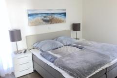 00016-Schlafzimmer-mit-Boxspringbett