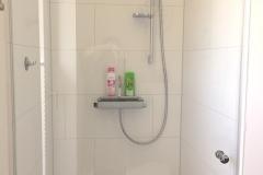 00026-Grosses-Badezimmer-Dusche
