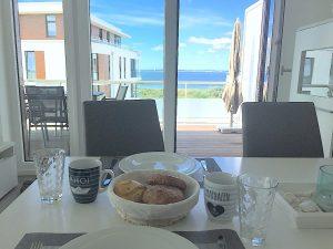 Brötchenservice zum Frühstück mit Ostseeblick
